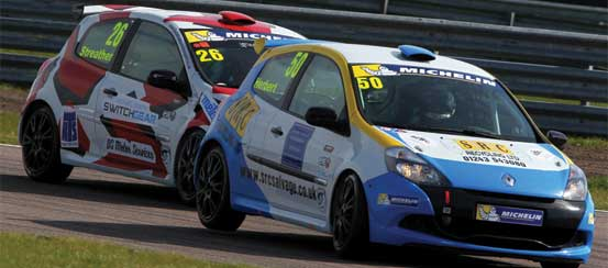 Clio-Cup-Thruxton-Circuit-motorsportDays.com
