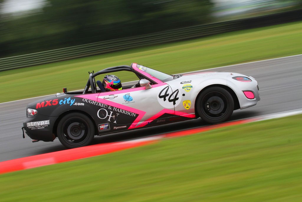 Abbie-Eaton 2 Mazda Mx5 motorsport days.com