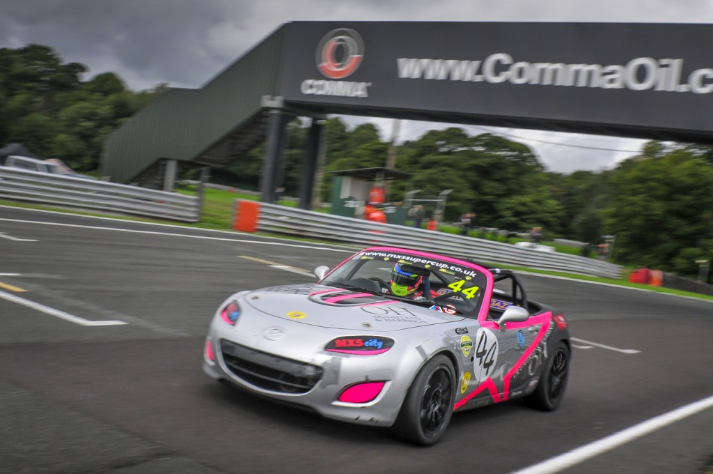 Abbie-Eaton Mazda Mx5 motorsport days.com
